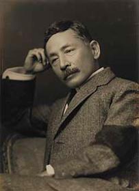 夏目漱石肖像写真 1912.9.[19](大正元)神奈川近代文学館蔵