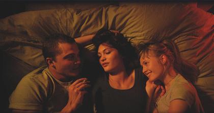『LOVE【3D】』 ©2015 LES CINEMAS DE LA ZONE. RECTANGLE PRODUCTIONS. WILD BUNCH. RT FEATURES. SCOPE PICTURES.