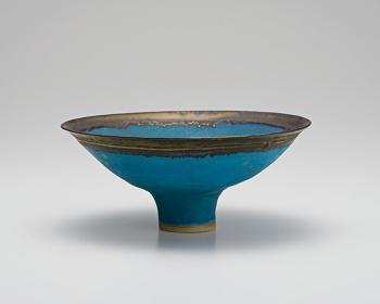 ルーシー・リー『青釉鉢』1980年頃 個人蔵 Estate of the artist 撮影:伊奈英次