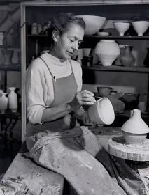 ルーシー・リー Lucie Rie Archive, Sainsbury Centre for Visual Arts, University of East Anglia, UK/  Photo:Pete Huggins