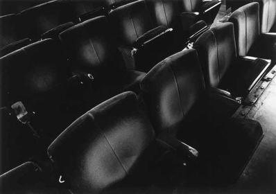 『岡田劇場(宮城県)』 ©2015 Satoshi Chuma