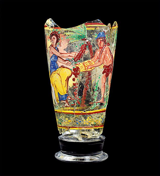 『脚付彩絵杯』 1世紀 ベグラム出土、ガラス、アフガニスタン国立博物館蔵 ©NMA / Thierry Ollivier
