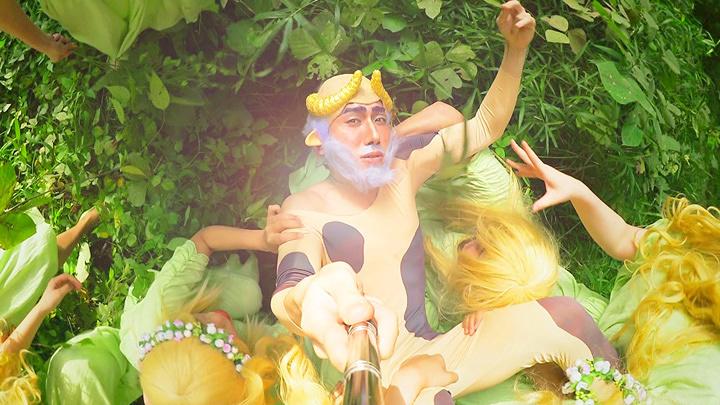 高田冬彦『Afternoon of a Faun』2015年(映像からのキャプチャー)写真提供:児玉画廊 / courtesy of Kodama Gallery