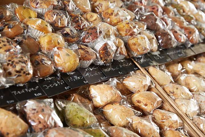 『第9回 青山パン祭り - 懐かしの日本のパン』イメージビジュアル ©藤啓介