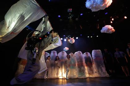 2014年公演『こわくないこわくない』より 撮影:安藤青太
