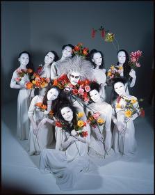 大駱駝艦・天賦典式『パラダイス』イメージビジュアル PHOTO: Nobuyoshi Araki