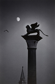 奈良原一高『Venice – Nightscapes』©Ikko Narahara / Courtesy of Taka Ishii Gallery Photography / Film