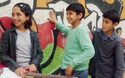 『歌声にのった少年』 ©2015 Idol Film Production Ltd/MBC FZ LLC /KeyFilm/September Film