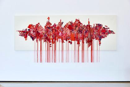 荒木由香里『Red』2015, H1250×W3600cm, Mixed media