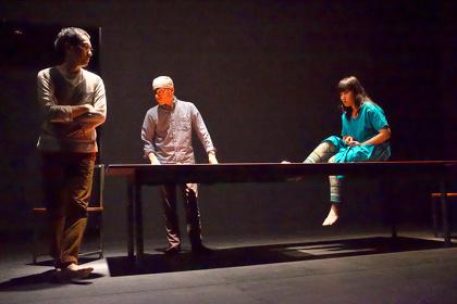 『離陸』より @早稲田小劇場どらま館(2015) ©青木司