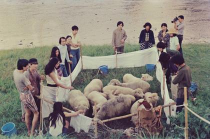 プレイ『SHEEP:羊飼い』記録写真 1970年8月23日 京都市 撮影者不明 ©THE PLAY