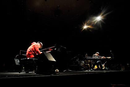 『BOYCOTT RHYTHM MACHINE VERSUS LIVE 2012』より坂本龍一 VS 大友良英