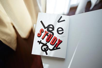 『STUDY』イメージビジュアル