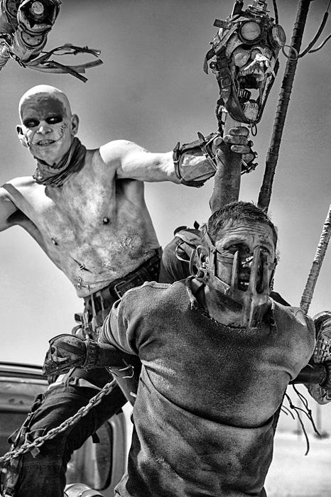 『マッドマックス 怒りのデス・ロード <ブラック&クローム>エディション』 ©2015 VILLAGE ROADSHOW FILMS (BVI) LIMITED C2016 WARNER BROS. ENT. ALL RIGHTS RESERVED
