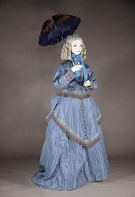 アフタヌーン・ドレス 1868-70年頃 イギリス 神戸ファッション美術館蔵