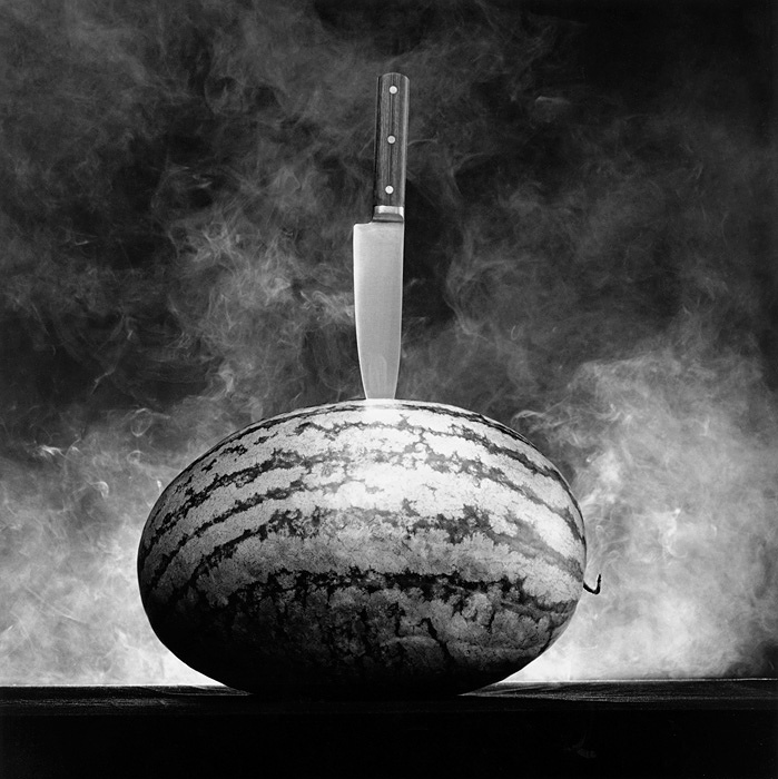 『Watermelon with Knife』 1985 Gelatin Silver Print ©Robert Mapplethorpe Foundation. Used by permission.