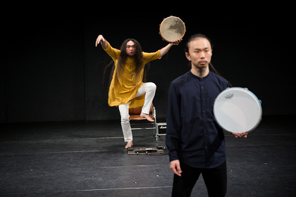 山下残『左京区民族舞踊』photo:yixtape