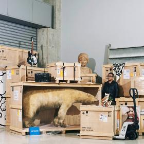 『片山正通的百科全書 Life is hard... Let's go shopping.』展イメージビジュアル art direction: Naomi Hirabayashi photo: Mitsuo Okamoto