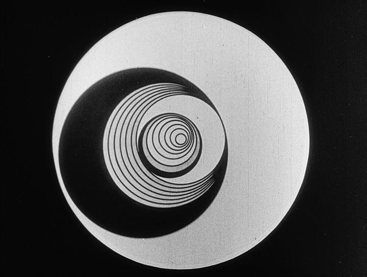 """マルセル・デュシャン『アネミック・シネマ』1925-26 Marcel Duchamp, Anémic cinéma 1925-26 Courtesy of """" Unseen-Cinema: Early American Avant-Garde Film 1894-1941"""
