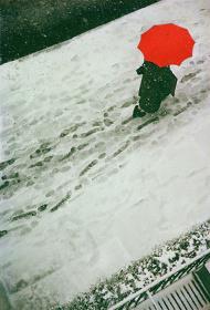 ソール・ライター『足跡』 1950年頃 発色現像方式印画 ソール・ライター財団蔵 ©Saul Leiter Estate