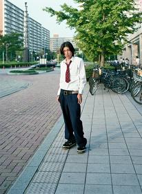 ホンマタカシ『少年7 新浦安、千葉』 『東京郊外』より 1998年 発色現像方式印画