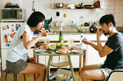石渡朋『ON EATING』イメージビジュアル