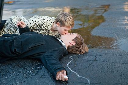 『永遠の僕たち』 ©2011 Columbia Pictures Industries, Inc. All Rights Reserved.