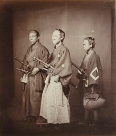 フェリーチェ・ベアト『役人と従者』鶏卵紙 DIC川村記念美術館