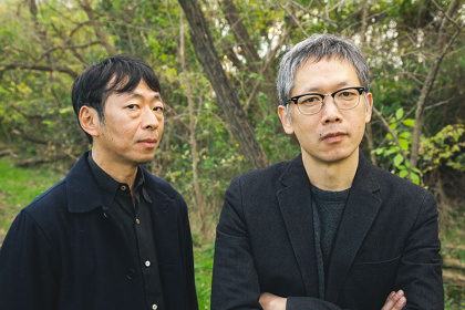 左から鈴木卓爾、矢口史靖 ©矢口史靖&鈴木卓爾