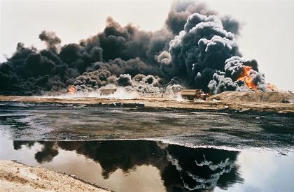 『問いかける焦土』 ©Werner Herzog Film
