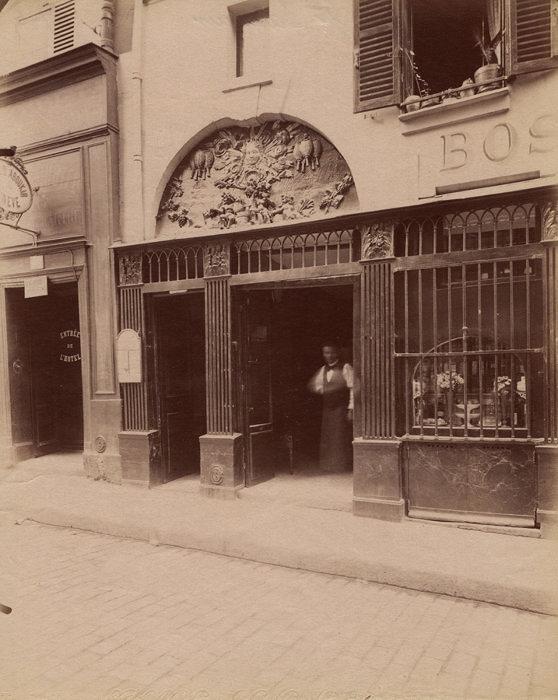 ウジェーヌ・アジェ『9725.Rue Saint sauveur』 ©Eugène Atget / M84