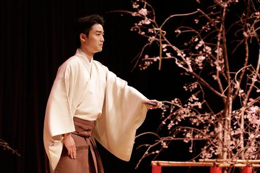 『花方』~序章「花の宴」公演の様子 撮影:岡本隆史