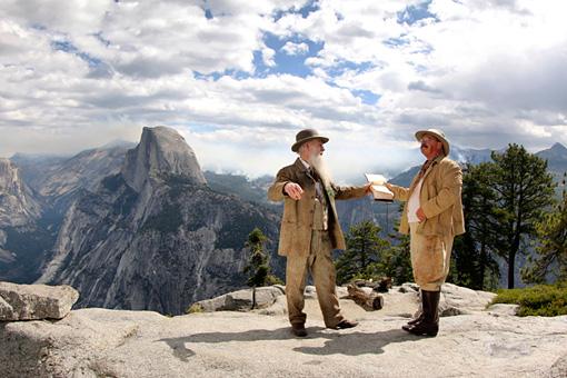 ヨセミテ国立公園 Reenactment of John Muir and President Teddy Roosevelt's camping trip in Yosemite Valley to discuss the future of a National Park system.Courtesy of MacGillivray FreemanFilms.Photographer:Barbara MacGillivray©VisitTheUSA.com