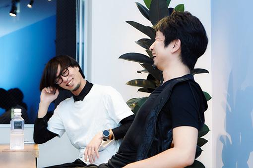 左から:K、山岡晃