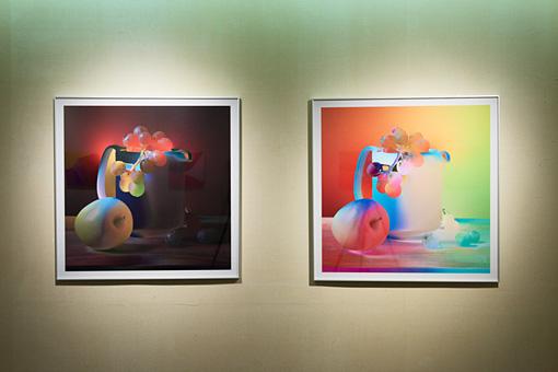 『&(アンパサンド)がカタチをひらくとき』 / 柳川智之+大原崇嘉の出展作品。色彩理論を応用し、イメージの「見え」の強さから画面を再構成する。