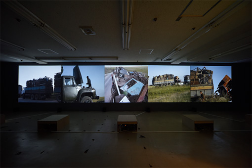 『あいちトリエンナーレ2016』展示風景 グリナラ・カスマリエワ&ムラトベック・ジュマリエフ《ニュー・シルクロード--生存と希望のアルゴリズム》2016  photo:怡土鉄夫