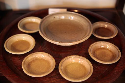 本業窯で作られた「黄瀬戸」の器。あたたかい黄色が特徴