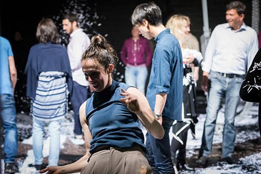 タンツハウスnrw(ドイツ / デュッセルドルフ)での『 x  / groove space』、2016年6月世界初演  ©Katja Illner