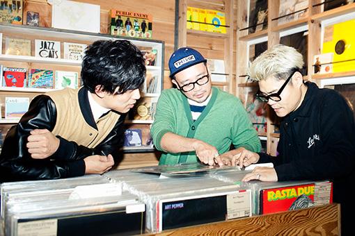 """左から:吉崎拓也、TGMX、松田""""CHABE""""岳二"""