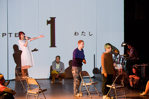 RooTS Vol.03 寺山修司生誕80年記念 『書を捨てよ町へ出よう』 (2015年)東京芸術劇場 シアターイースト 撮影:引地信彦