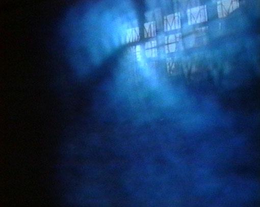 『窓』1999年 シングルチャンネル・ヴィデオ SDデジタル、カラー、サイレント 11分56秒 東京都写真美術館蔵