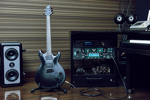 Tom-H@ck使用ギター