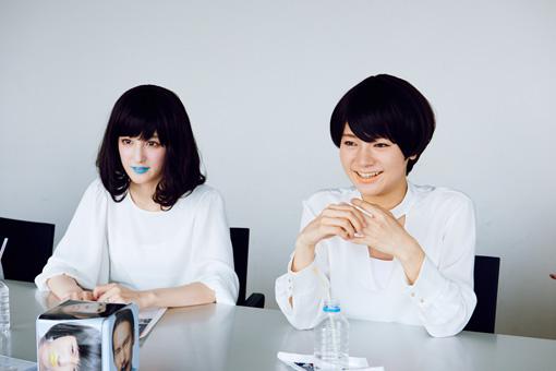 左から:第1夫人・清 咲乃、第3夫人・清 亜美