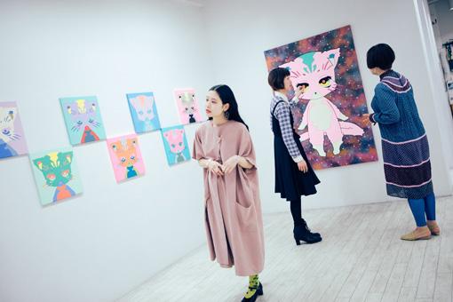 左から:前田エマ、たなかちえこ、maegamimami