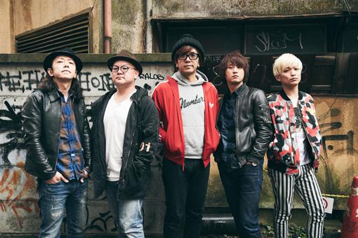 左から:伊藤隆郎(TRI4TH)、織田祐亮(TRI4TH)、西崎ゴウシ伝説(カルメラ)、PAKshin(カルメラ)、辻本美博(カルメラ)