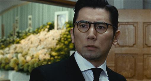 本木雅弘演じる主人公・衣笠幸夫 / ©2016「永い言い訳」製作委員会