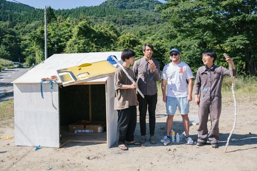左から:川田諒一、バリー・マッギー、デレック・ジェームス・マーシャル、渡辺羅須