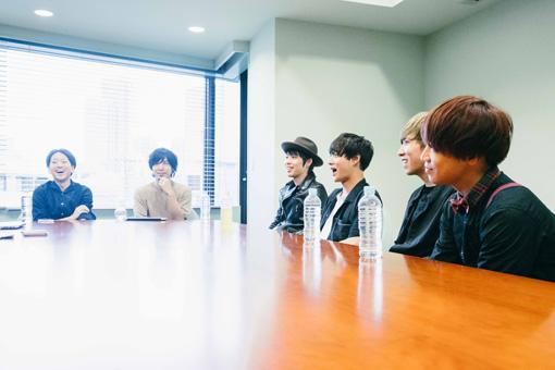 左から:東俊宏、カタオカセブン、ジェットセイヤ、牧達弥、柳沢進太郎、長谷川プリティ敬祐