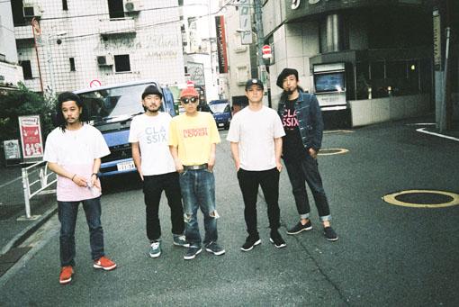 左から:TAKU、TAROW-ONE、BASI、サッコン、Shyoudog
