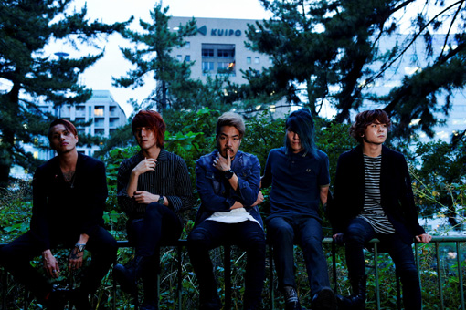 左から:Teru、Kazuki、Koie、Hiro、Tatsuya